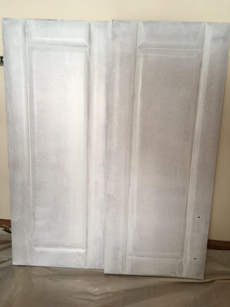 Malowanie szafek MDF - pierwsza warstwa
